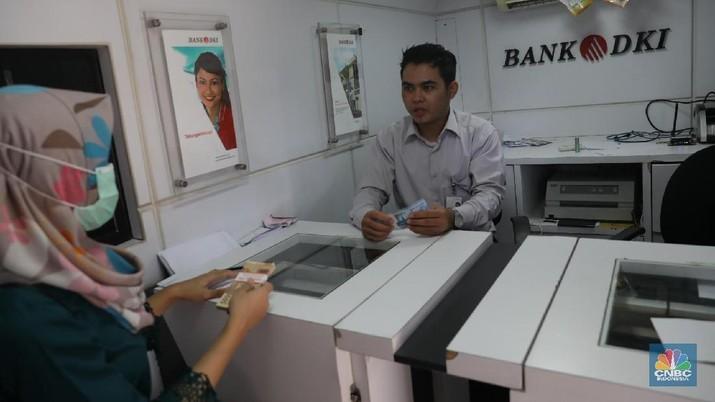 Mantan Bos OJK Jadi Komut Bank DKI, Ini Alasannya