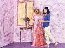 Gadis Usia 11 Tahun Ini Jual Lukisan Rp 497 Juta