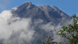 Dua Awan Panas Meluncur dari Gunung Merapi Senin Pagi