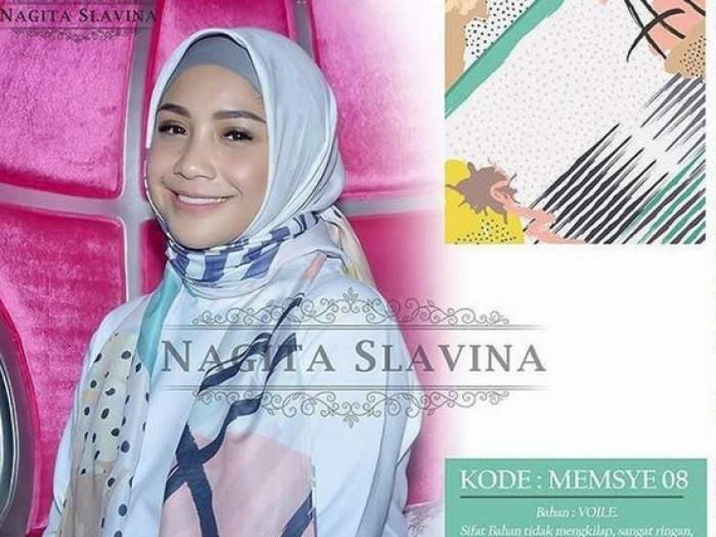 8 Artis Ini Jual Hijab Print Scarf, Harganya Lebih Mahal dari Daging