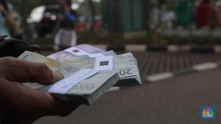 Pukul 14:00 WIB: Rupiah Melemah ke Rp 14.255/US$
