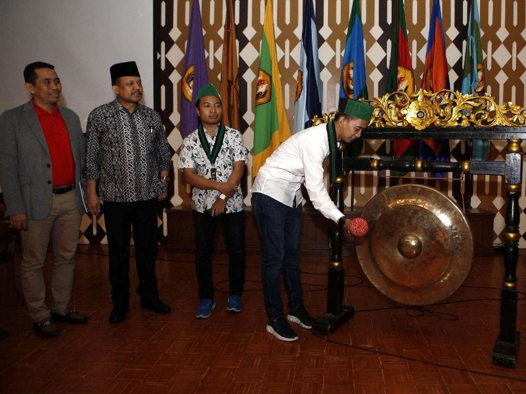 Hadir dalam acara tersebut Agus Muharram, staff khusus Menteri UKM dan Koperasi; Saddam Al Jihad, Ketua Umum PB HMI serta perwakilan BEM se Indonesia dan HMI se Indonesia. Pool/HMI.