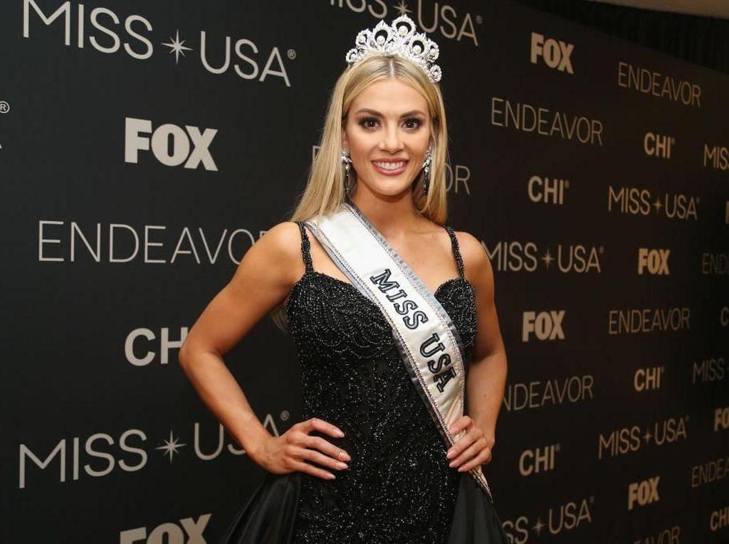 Ini Pemenang Miss USA 2018, Wanita Cantik Lulusan Cumlaude