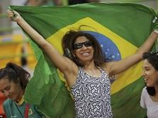 Sambut Piala Dunia, Fans Bola Brasil Ramai-ramai Beli TV Baru