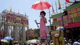 Menurut tradisi masyarakat setempat, festival ini digelar sebagai ritual untuk mengusir wabah penyakit yang mematikan anak-anak kecil di masa pemerintahan Dinasti Qing.