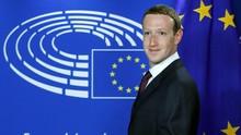 Zuckerberg Bantah Larang Petinggi Facebook Pakai iPhone
