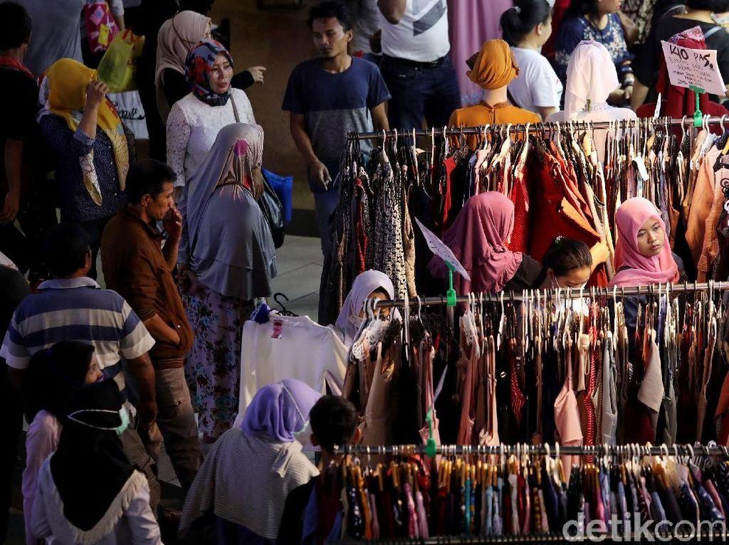 Di bulan Ramadan ini, para pengunjung terus memenuhi lokasi.