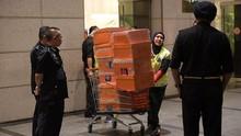 Polisi Malaysia Sita 434 Tas Mewah dari 12 Properti Najib