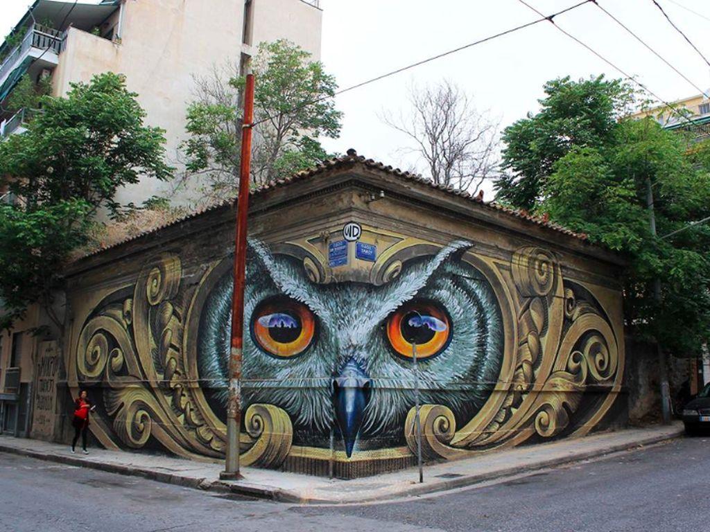 Sebuah lukisan 3 dimensi di tembok di suatu tempat di Yunani. Foto: mymodernmet