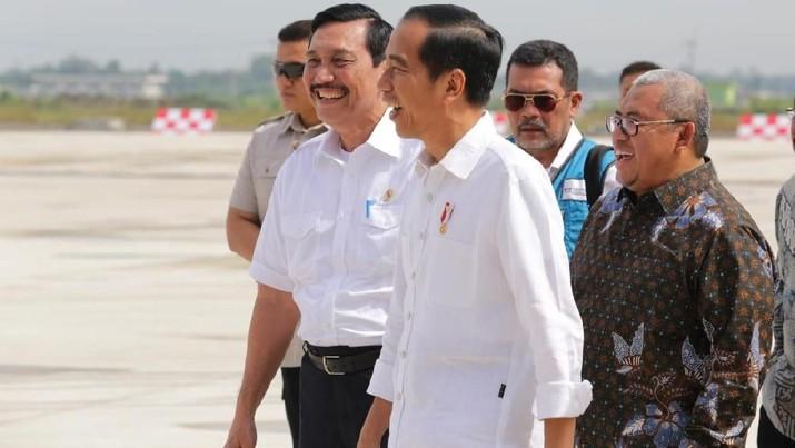 Presiden Joko Widodo akhirnya batal mencabut aturan DMO batu bara