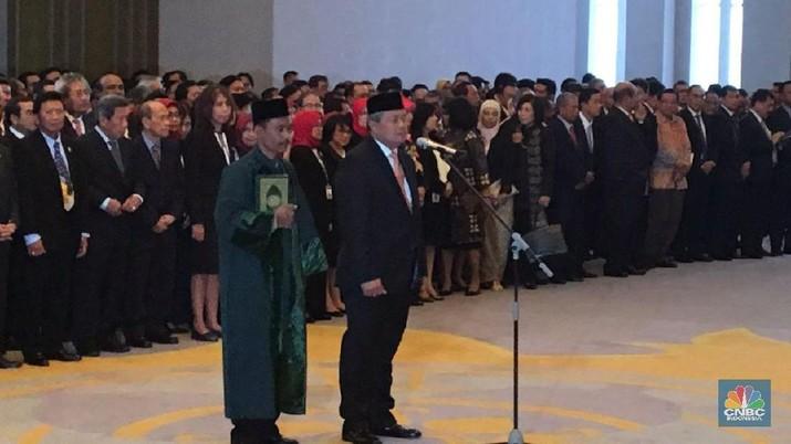 MA pada hari ini, Kamis 24 Mei 2018 secara resmi melantik Perry Warjiyo sebagai Gubernur Bank Indonesia (BI) periode 2018-2023.