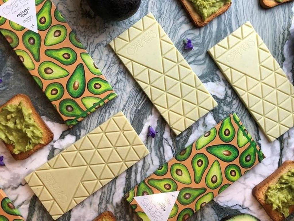 Manis Legit, Cokelat Rasa Roti Panggang Beroles Alpukat