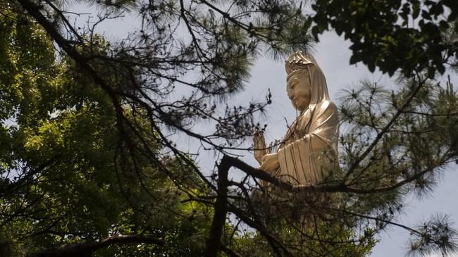 FOTO: Mencari Berkah di Gunung Putuo