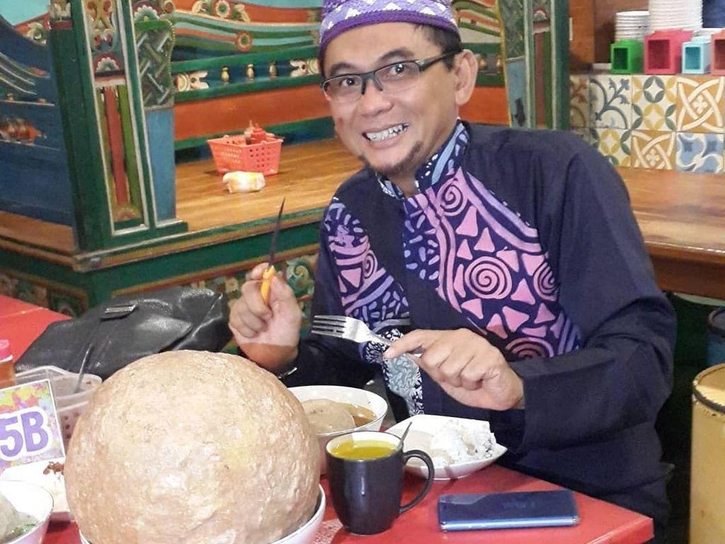 Ngebakso hingga Nyeruput Wedang Uwuh Jadi Favorit Ustaz Subki Al Bughury