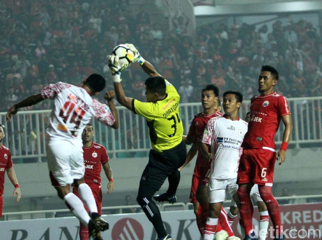 Persija Kalahkan Persipura 2-0