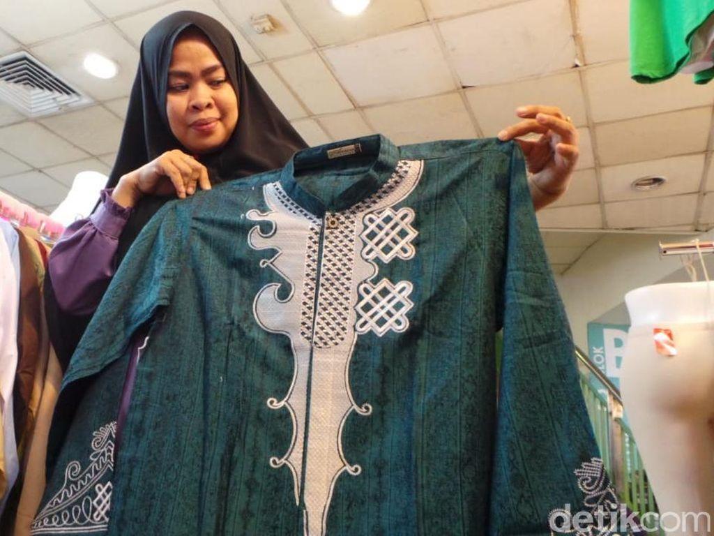 Meski namanya baju koko, ternyata baju ini merupakan jenis inovasi baju muslim pria yaitu jenis jas dan baju koko atau Jasko, desainnya juga terlihat dari adanya bantalan tipis di bagian pundak tampak lebih lebar untuk membuat kesan gagah.
