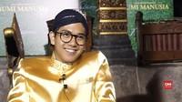 VIDEO: Berbelangkon, Iqbaal Cerita Persamaannya dengan Minke