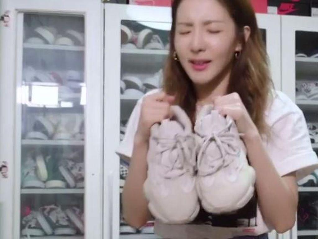 Intip Koleksi Sneakers Sandara Park yang Jumlahnya Sampai 1.000 Pasang