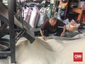 Keran Impor Dibuka Lagi, Pedagang Beras Cipinang 'Menjerit'