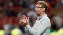 Liverpool Kalah, Klopp Nyanyi Bareng Suporter di Bandara