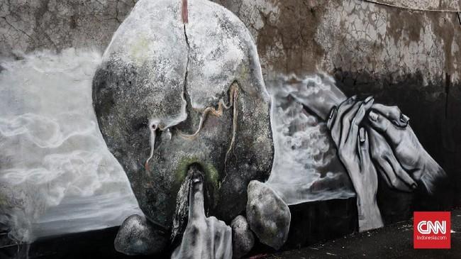 Saipul Bahri dan kawan-kawan senimannyainginmendobrak pemikiran bahwa karya seni di bulan Ramadan tak melulu kaligrafi atau gambar objek berciri khas Islam. (CNN Indonesia/Andry Novelino)