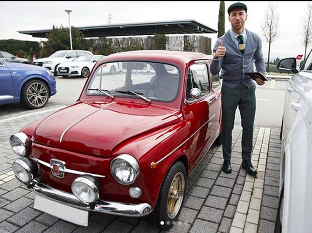 Sergio Ramos Si Penyuka Mobil Klasik