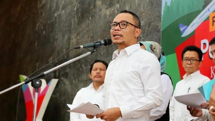 Menteri Ketenagakerjaan Hanif Dhakiri mengumumkan besaran kenaikan UMP 2020 sebesar 8,51%