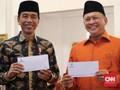 Jokowi-JK dan Bamsoet Bayar Zakat Rp50 Juta di Istana