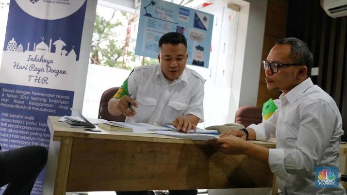 Posko THR untuk mengantisipasi keluhan dalam pelaksanaan pembayaran THR mulai dari pusat sampai daerah melalui dinas kerja di Provinsi maupun kabupaten kota.