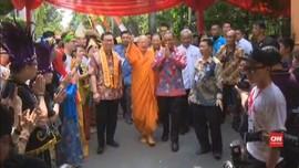 VIDEO: Rayakan Waisak, Anies Kunjungi Wihara Ekayana