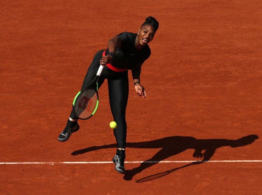 Foto: Tampil Beda, Serena Williams Pakai Kostum Black Panther saat Tanding