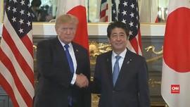 VIDEO: Meski Akrab, Trump Tetap Sulitkan Shinzo Abe