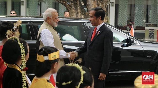 Indonesia di Tengah Pengaruh China dan India