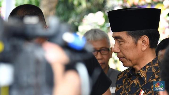 Jokowi kembali jengkel lantaran Indonesia sampai saat ini tidak bisa memperbaiki permasalahan ekonomi dalam negeri.
