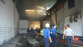 VIDEO: Gudang Penyimpanan Cokelat di Bandung Terbakar