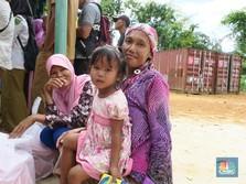 Foto: Senyum Warga Natuna Setelah Teraliri Listrik 24 Jam
