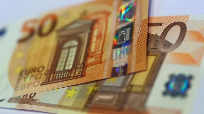 Isu Transaksi Mitsubishi UFJ-Bank DZ Bawa Euro Melesat Naik