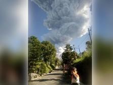 Gunung Merapi Erupsi, Puluhan Penerbangan Ditunda