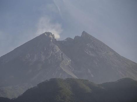 Kubah Lava Baru Gunung Merapi Masih Terus Tumbuh