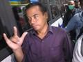 VIDEO: Salam Metal Bupati Purbalingga Usai Terjaring OTT KPK