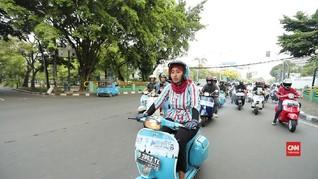 VIDEO: 'Riding Berbagi' Eca dan Komunitas Vespa