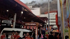 Kebakaran Gedung PRJ, Satu Orang Masih Terjebak