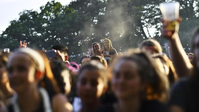 Para penyelenggara menginginkan acara Field Day Festival mampu membuat pengunjungnya bergembira bak mereka bermain di pedesaan, lepas dan bebas, di ruang terbuka hijau. (REUTERS/Dylan Martinez)