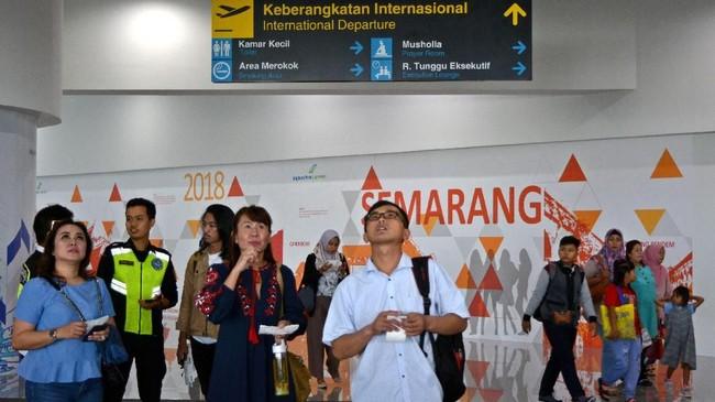 Terminal Baru Bandara Internasional Ahmad Yani Semarang mulai beroperasi kemarin (6/6) dan dijadwalkan diresmikan Presiden Joko Widodo pada hari ini, Kamis (7/6). (ANTARA FOTO/R. Rekotomo/ama/18)