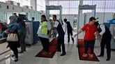 Terdapat 30 unit counter check in untuk mempercepat pelayanan kepada penumpang maskapai pada Terminal Baru Bandara Ahmad Yani. (ANTARA FOTO/R. Rekotomo/ama/18).