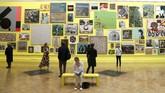 Ia menyebut pameran tahun ini bertemakan perayaan berbagai genre pembuatan seni. (REUTERS/Peter Nicholls)