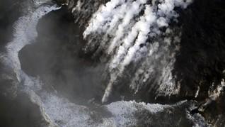 Lava Keringkan Danau Terbesar Hawaii dalam Hitungan Jam