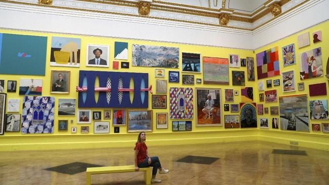 Pameran musim panas Royal Academy of Arts akan kembali digelar di Palladian, dekat Piccadilly Circus, London. Pameran seni itu dijadwalkan dibuka 12 Juni sampai 19 Agustus. (REUTERS/Peter Nicholls)
