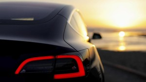FOTO: Tesla Model 3 Jadi Ancaman Mobil Konvensional