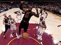 FOTO: Golden State Warriors Selangkah Lagi Juara NBA